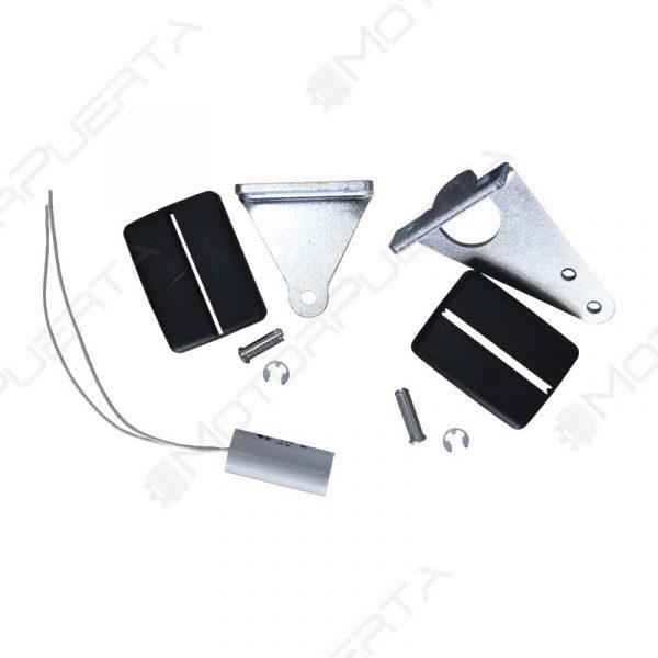 conjunto de piezas y accesorios que incluye el kit del motor para puerta batiente ego
